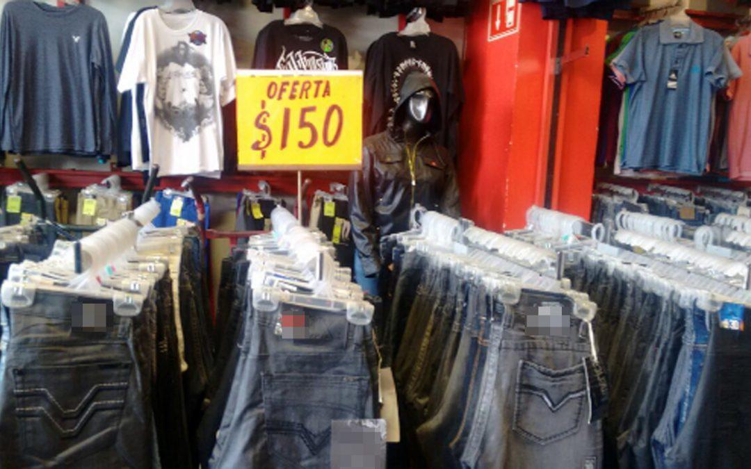 Comunicado 237/17. Asegura PGR en cateo, 8 mil 900 piezas de ropa de marca sin registro de autenticidad en Nuevo León