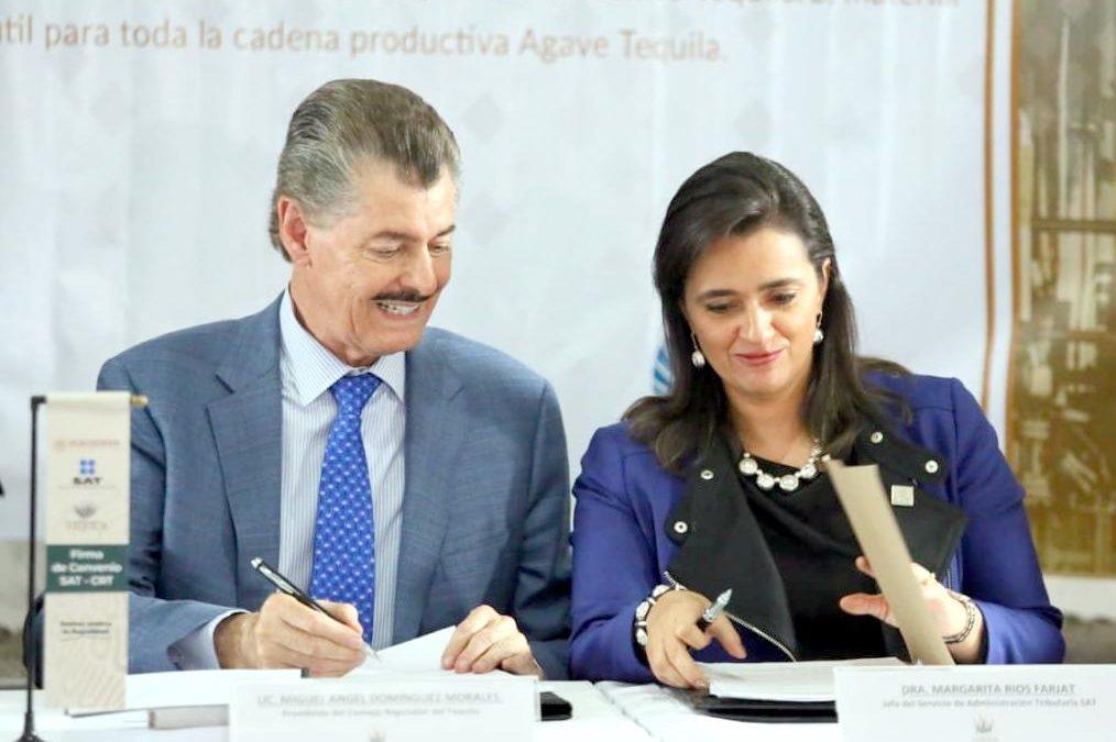 Firman el SAT acuerdo con el CRT para combatir la comercialización ilegal de tequila